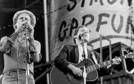 Dortmund - Westfalenstadion 30.5.1982 - Simon & Garfunkel (19820530-simon-garfunkel-018.jpg)